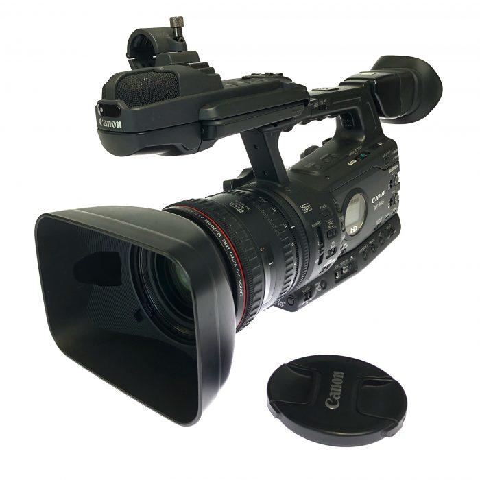 Canon XF305 camera used. Pristine condition